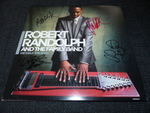 "ROBERT RANDOLPH AND THE FAMILY BAND signiert auf ""WE WALK THIS ROAD"" Platte LOOK"