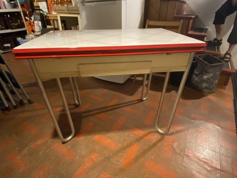 Vintage Porcelain Enamel Expandable Top Table with Retro Metal Legs