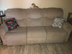 Chesterfield recliner couch