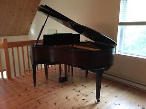 PIANO À QUEUE (baby grand)
