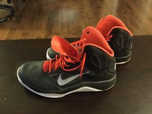 Nike Dual Fusion basketball shoes - size 11.5 (like new!).