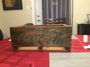 Vintage 1950-60' Coca Cola Crate with Green Lettering