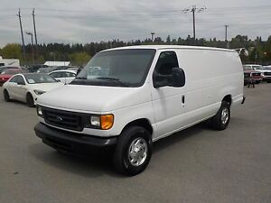 2006 Ford E-350 Super Duty Extended Cargo Van Diesel with Bulkhe