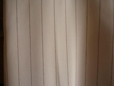 Pantalon enrique vals.fluide. blanc fines rayures. taille:38.