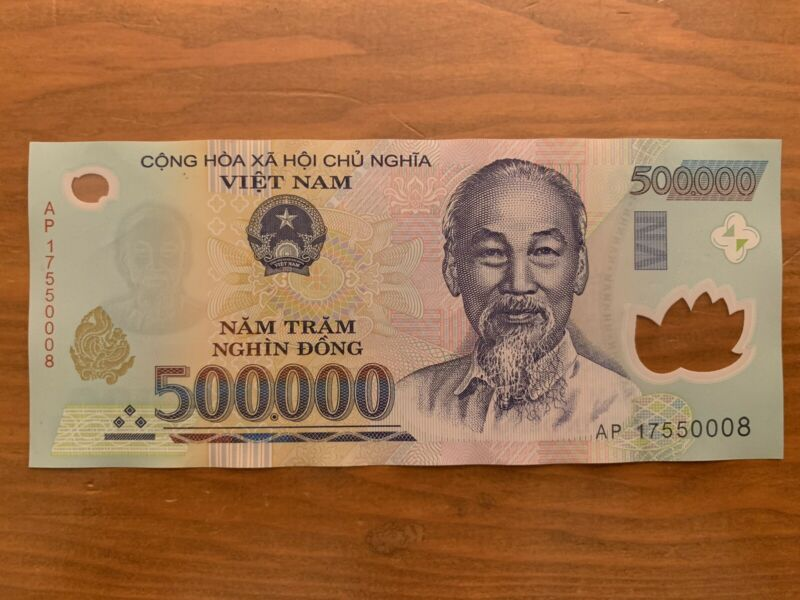 500000 X 1 Vietnamese Dong Banknote. 500,000 Vnd Bill. Cir. Single Note. Vietnam