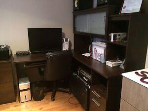 Meuble d'ordinateur et de bureau