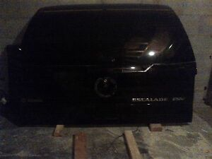 Escalade rear hatch