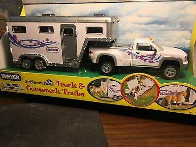 Breyer Stablemates Truck & Gooseneck Trailer - White