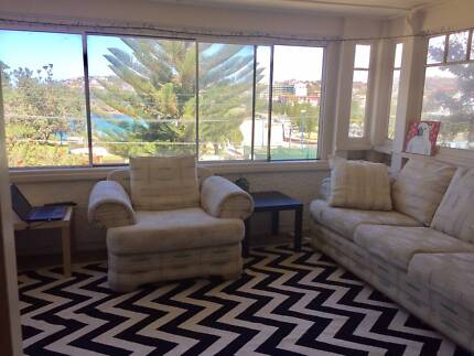 Shared room - Beach front apartment on Coogee