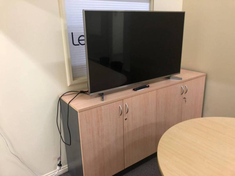 hurry cheap office furniture on sale desks gumtree australia rh gumtree com au Cheap Office Furniture for Sale Discount Furniture Online