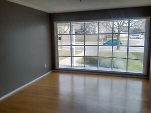 Beautiful Commercial Unit for Lease on high traffic street