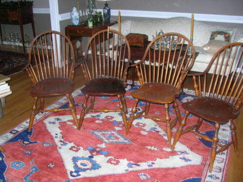 WINDSOR CHAIRS 18TH CENTURY CONTINUOUS ARM MATCHED SET OF 4