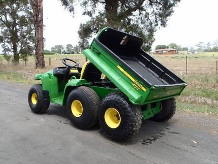 John Deere GATOR TH 6x4 ATV