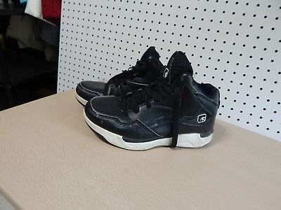 640b4167158 Youth And1 Basketball shoes - size 2 - black and white