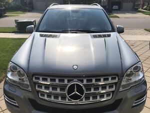 2011 ML 350 Blue TEC Mercedes Benz Fully Loaded like new low km