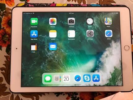 Apple iPad 2017 32GB Gold Cellular