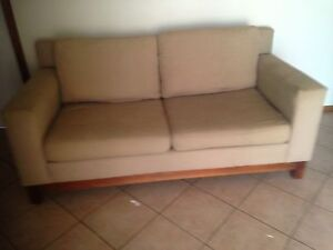 Giveaway Couch Evanston Gardens Gawler Area Preview