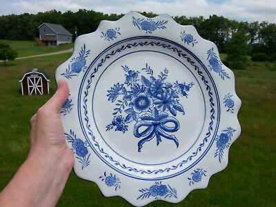 Beautiful Blue White Scallop Rim Wall Hanging Plate Charger Floral Serving Dish