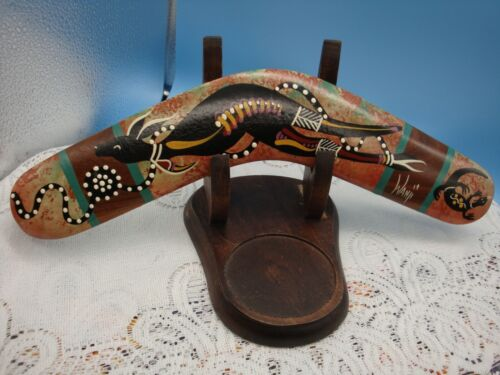 BINGRA BOOMERANGS HANDCRAFTED w/LOCAL TIMBERS & DECORATED w/AUSTRALIAN DESIGNSl