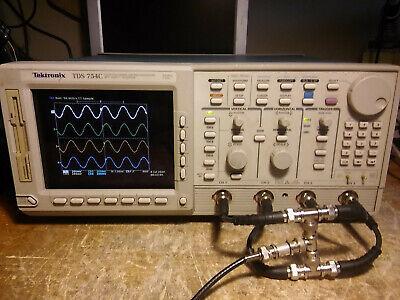 Tektronix Tds754c Oscilloscope 500mhz 2gss 13 1f 2m 2f. Tested.