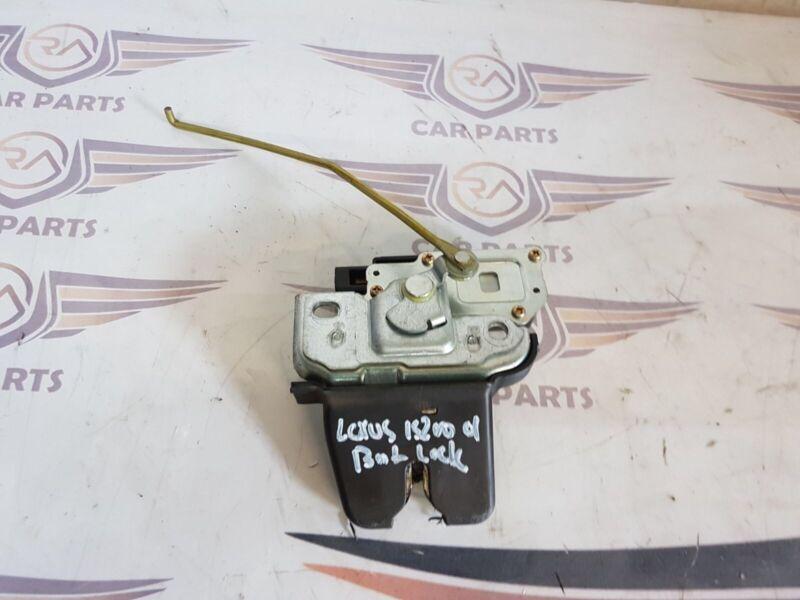 GENUINE LEXUS IS200 S XE10 98-05 4DR SALOON REAR TAILGATE/ BOOT LOCK 010125