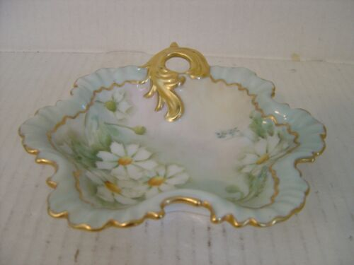 VINTAGE PRETTY HAND PAINTED PORCELAIN DISH LIGHT BLUE WITH DAISIES AND GOLD TRIM