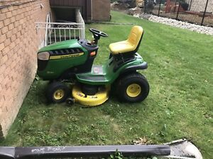 Used 1 year old John deer ride on