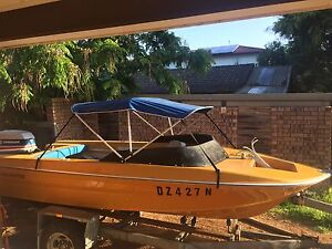 Power Boat - 4.75m 85HP evinrude. 10 months rego Keiraville Wollongong Area Preview