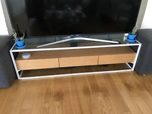 Stand up TV Stand