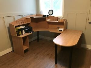 Office Furniture Desk and File Cabinet