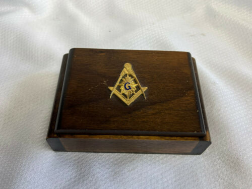Vtg Masonic TCL Square & Compass Men