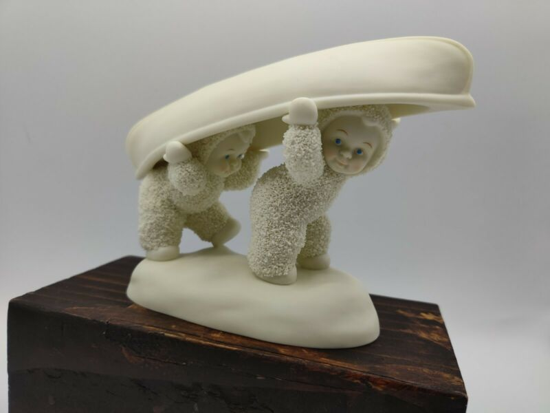 """Department 56 2004 Snowbabies """"It Takes Two"""" Carry A Canoe Figurine 5.5""""x7"""""""