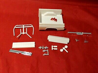 Model Truck Parts AMT 1984 GMC Pickup Bed and Accessories 1/25