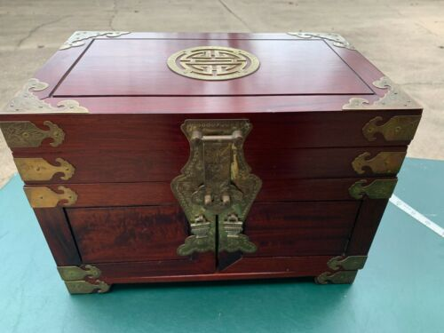VINTAGE CHINESE ROSEWOOD JEWELRY BOX
