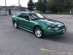 FORD MUSTANG FOR RIDERS FAN!!! 3.8L // LOW MILEAGE // AUX!