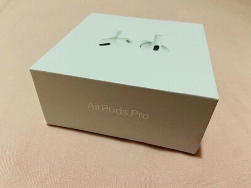 Apple AirPods Pro 3d gen Wireless Bluetooth Headsets + Wireless Case + Earmesh