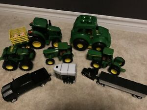 7 John Deere Trucks