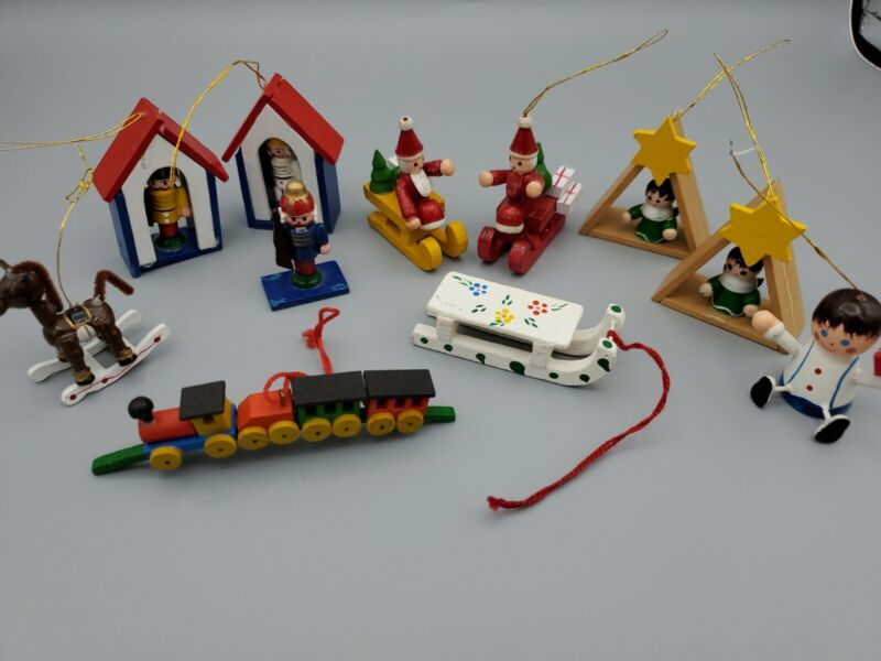 Vintage Mini Wooden Christmas Ornaments Some Russ Brand Taiwan R.O.C. Lot Of 11