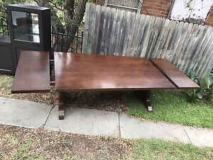 MOVING SALE: Extendable Dining Table Denistone West Ryde Area Preview