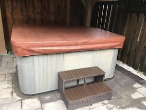 "Hot tub cover 91""x91"""