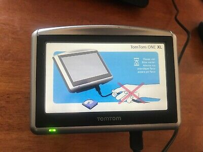TomTom One XL 4S00.008 Bundle Bluetooth with Mount and Car Charger. Tested