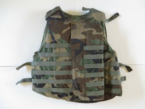US Army flak jacket woodland camo size Large