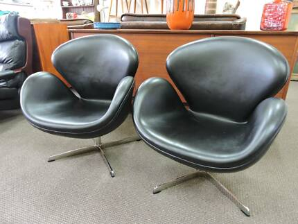 Retro Vintage Swan Chairs Arne Jacobsen Two Available