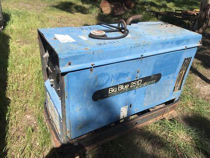 Miller Big Blue 251D diesel welder