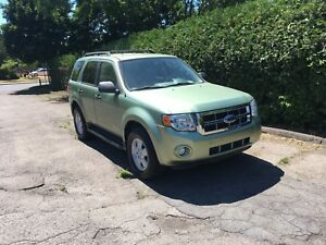Wow ford escape 2008 4x4 39000 km!!