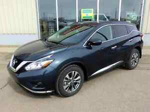 2015 Nissan Murano SV AWD - Low Mileage