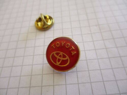 TOYOTA CAR VINTAGE PIN PRIVATE COLLECTION us21