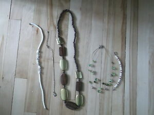 5 PIECES OF JEWELRY