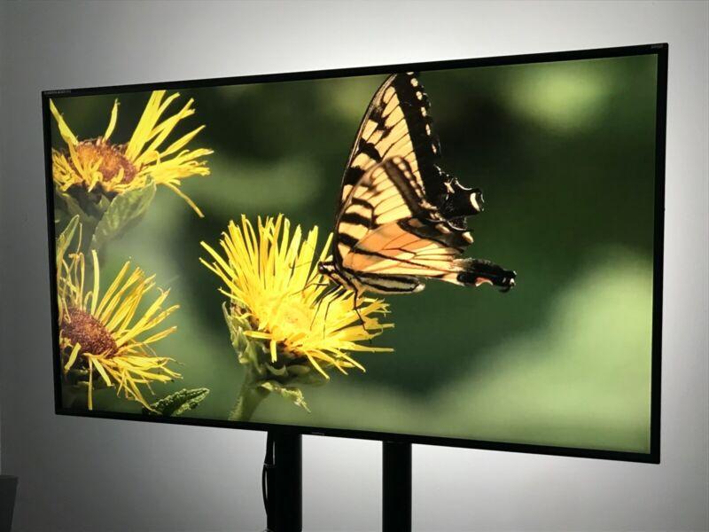FSI Flanders Scientific AM420 Broadcast Color Monitor