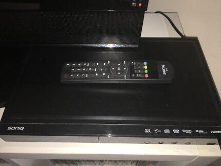 Soniq Blue ray player with remote control $10